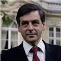 La France respectera ses engagements européens, assure Fillon