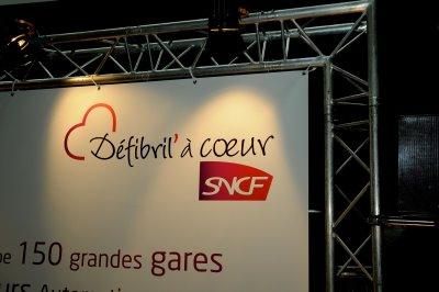 SNCF a présenté sa première rame TGV Est  équipée d'un défibrillateur