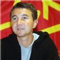 Besancenot appelle les maires à défendre 'le droit d'expression'