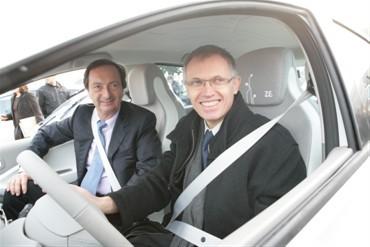 E. Leclerc et Renault engagent un pas de plus en faveur de la mobilité électrique accessible pour tous