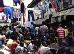 Photo prise clandestinement en décembre 2012 dans le quartier des hommes de la prison surpeuplée de Kondengui (Yaoundé), 4000 détenus pour 800 places.