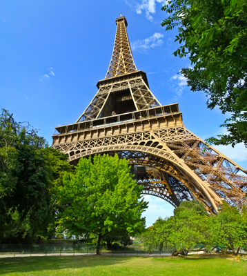 Nouveau record de fréquentation touristique à Paris dans un climat contrasté