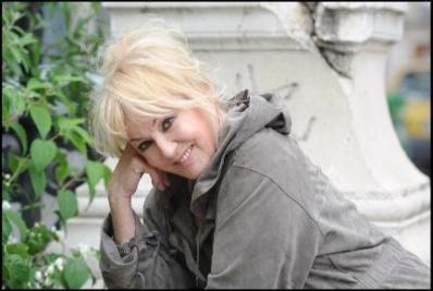 Abeilles : L'actrice Mylene Demongeot entre dans le combat