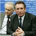 Bayrou déterminé à gagner malgré les 'manœuvres'