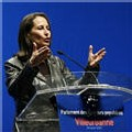Parlement des quartiers populaires à Villeurbanne: Ségolène Royal soulève peu d'enthousiasme
