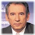 Sondage : Le Pen et Bayrou réduisent l'écart