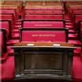 Au Palais Bourbon des sièges tout neufs pour les députés