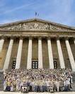 L'UMP donnée largement en tête au 1er tour des législatives