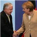 Les frères jumeaux polonais Kaczynski entretiennent l'ambiance de crise avec l'Allemagne