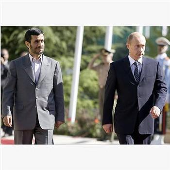 Poutine en visite à Téhéran, en dépit des menaces