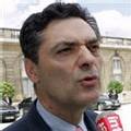 Bayrou 'a le génie pour faire le vide autour de lui'
