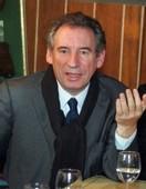 Municipales: Bayrou en faveur d'un 'partenariat' avec Juppé à Bordeaux